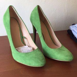 NWT Zara green heels